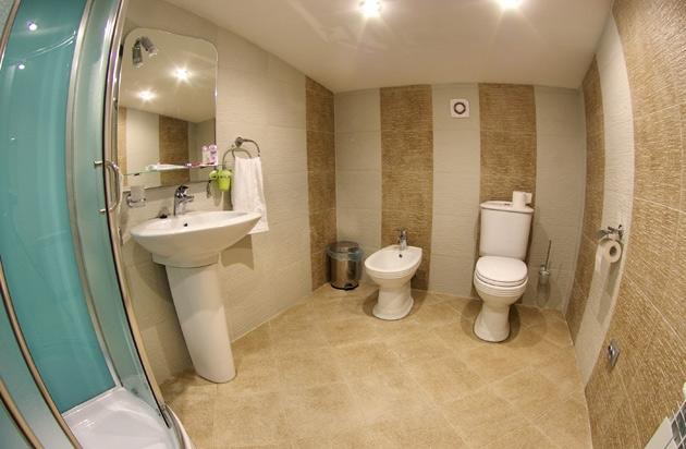 Ванная комната в отеле NyvkyPlaza