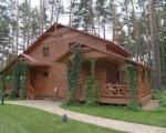 Деревянные коттеджи загородного комплекса